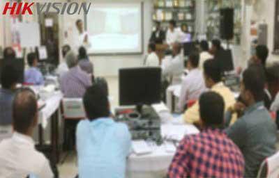 جلسه سوم کارگاه  آموزشی دوربین مداربسته هایک ویژن در کرج برگزار میشود